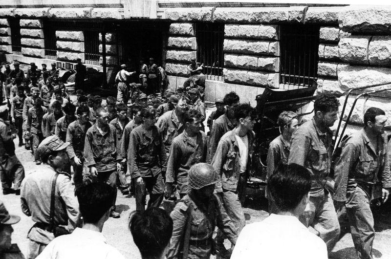 ¿Ser un nazi en el Tercer Reich o un campesino coreano durante la Guerra de Corea?