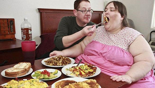 Anastimafilia: atracción por el sobrepeso de los demás
