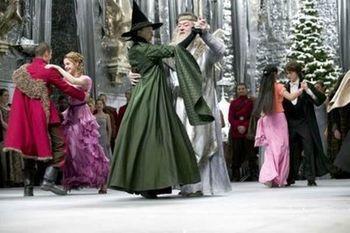 Dumbledore vive, pero en su lugar muere McGonagall
