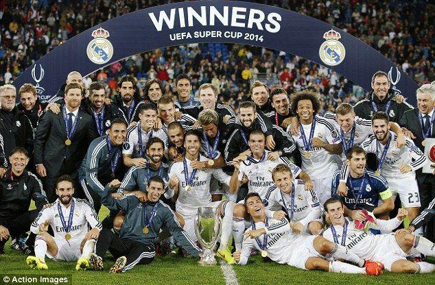 En el primer partido oficial, se jugó el primer título de la temporada. ¿Dónde tuvo lugar y cuál fue el marcador final?