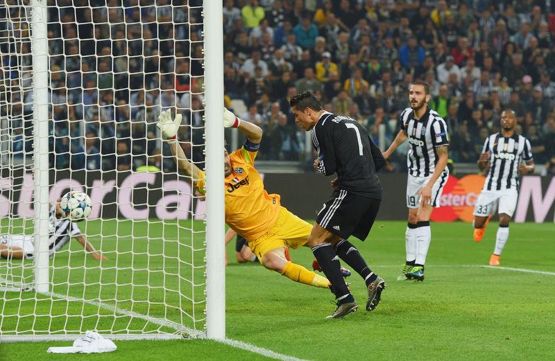 ¿Qué desafortunada jugada evitó al Madrid sumar un gol importante en Turín? ¿Quién la protagonizó?