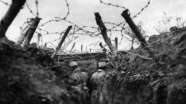 Es 1916 y eres el comandante alemán encargado del frente occidental. ¿Qué haces?