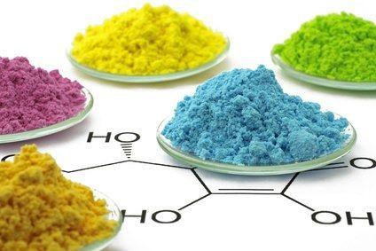 ¿Quién regula la formulación de elementos químicos?