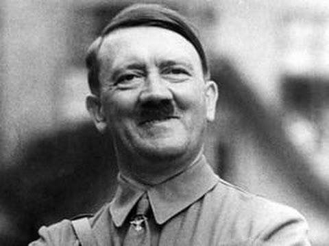 El candidato alemán te toma de las manos. Le has gustado mucho. Te propone matrimonio.