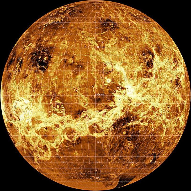 Este planeta posee el día más largo del sistema solar: 243 días terrestres.