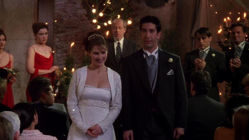 ¿Qué nombre dice Ross en su boda con Emily?