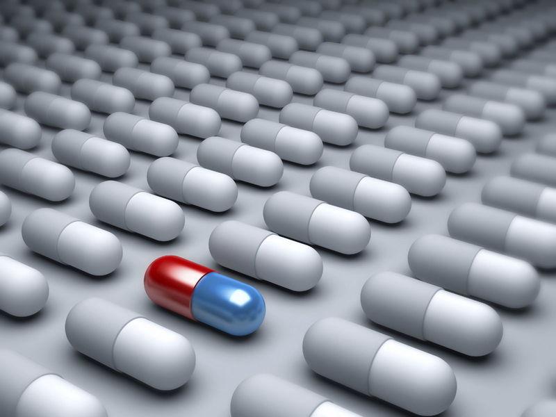 Tu pareja está gravemente enferma y el farmacéutico que tiene el tratamiento lo tiene muy caro. ¿Qué haces?