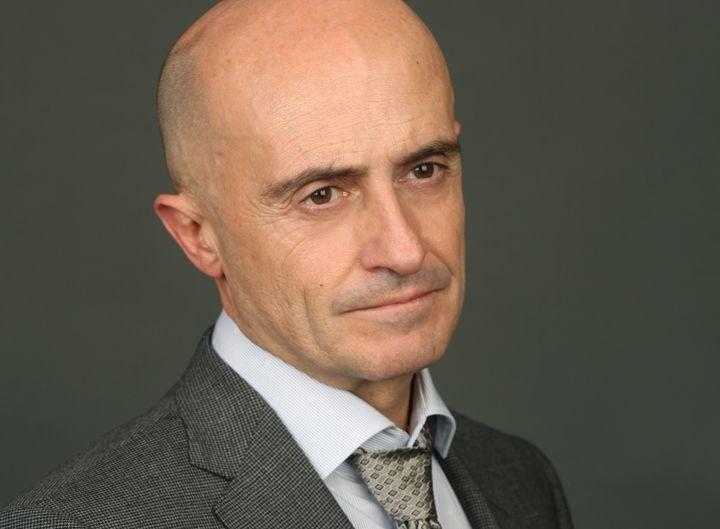 El actor Pepe Viyuela vota a...