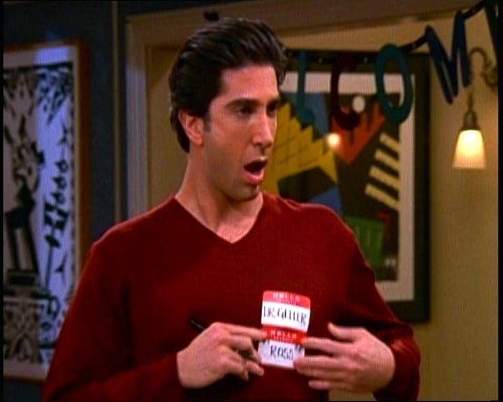 ¿Qué le regala Ross a Rachael por su cumpleaños al final de la primera temporada?