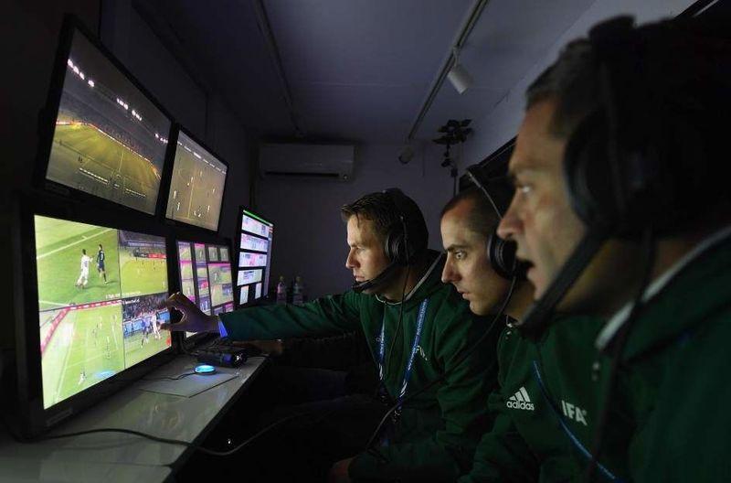¿Se debe implementar el vídeo-arbitraje en el fútbol?