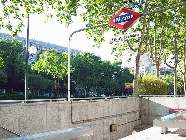 ¿Qué nombre de fruta apodaba antiguamente la estación de 'Santiago Bernabeu'?