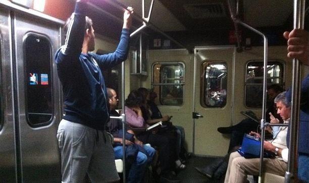 Según la leyenda, ¿cuántos trenes de la línea 5 debes dejar pasar para que te aparezca el tren fantasma?