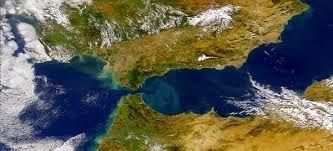 ¿Cómo se llama el estrecho que separa Alaska de Asia?