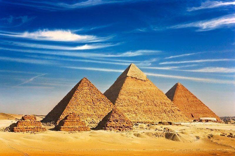 Vamos ahora con el antiguo Egipto. ¿Durante que período se construyeron las pirámides de Gizeh?