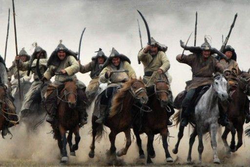 Durante años fueron frecuentes los ataques de los bárbaros, uno de ellos fué el de los