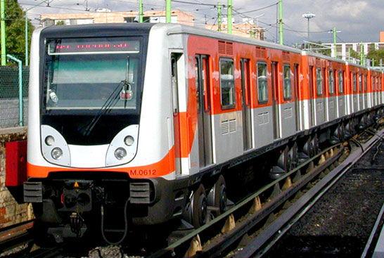 ¿Cuál es el parque vehicular de los trenes?