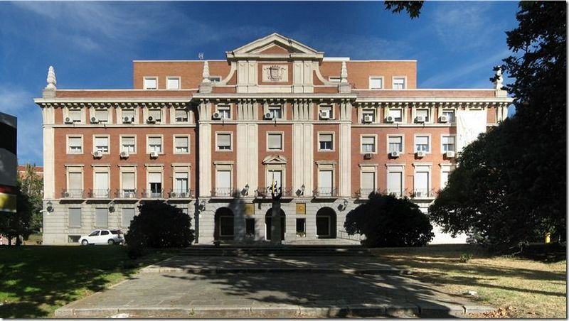 El palacio de la Moncloa tomó su nombre de...