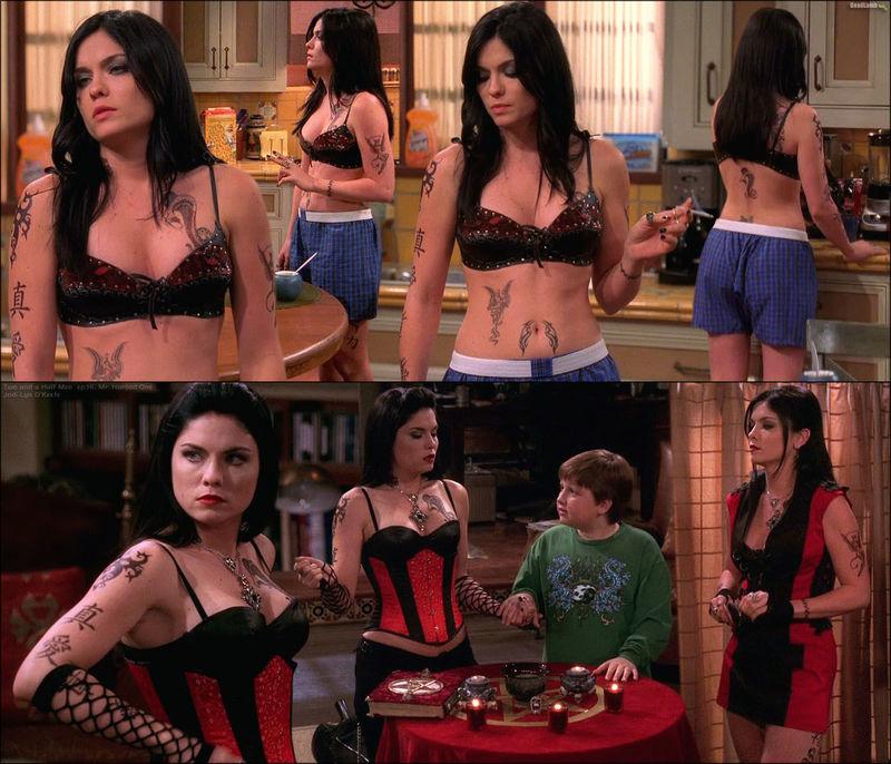 Y hablando de las chicas de Charlie... ella es Isabella, pero sabrías decir cuándo apareció antes