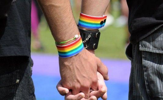 ¿Crees que cada vez se está educando más a respetar a alumnos/as homosexuales/bisexuales/transexuales en las escuelas?