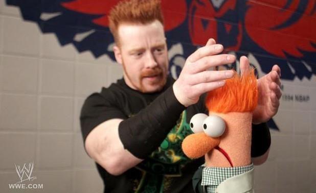 Sheamus debutó en el roster principal en 2009, pero antes de eso apareció en RAW con un papel diferente, ¿Pero cual?