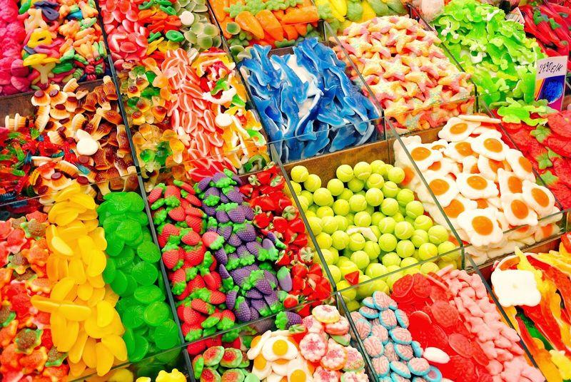 ¿Con qué frecuencia comer dulces, chucherías o bebidas azucaradas?