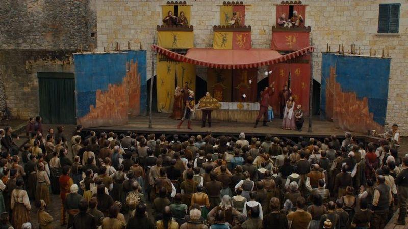 ¿Quién escribió La Mano Sangrienta una obra de teatro que se exhibe en Braavos?