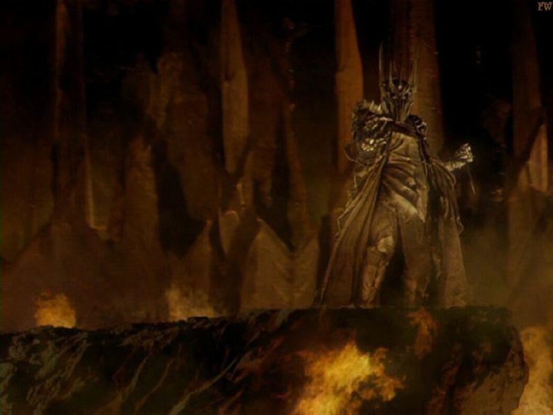 Y una facil para despedirse. 3 Anillos para los Reyes Elfos bajo el cielo. 7 para los Señores Enanos en palacios de piedra...