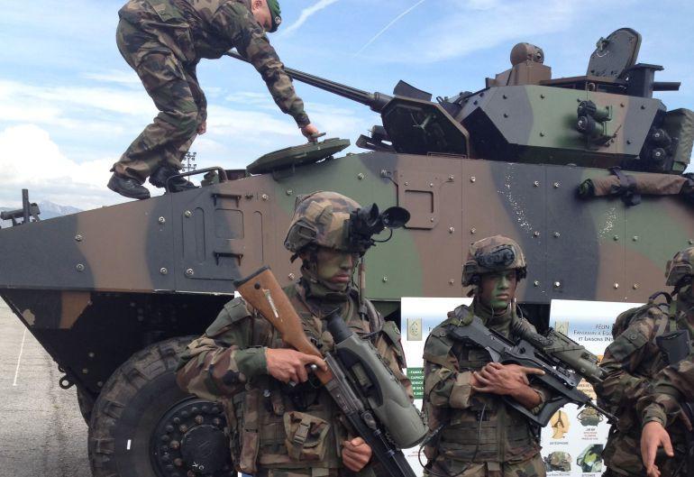 Involucración en una guerra de escala mundial como agresor