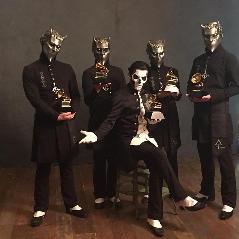 ¿Con qué canción ganaron un premio Grammy a la mejor interpretación de metal en 2016?