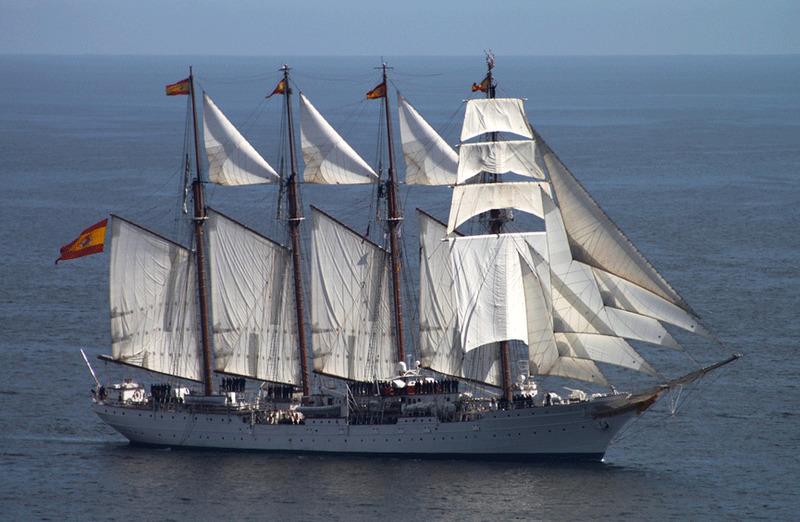 Este es el buque-escuela J.S. de Elcano, el buque mas antiguo en activo de la armada. ¿Cuando comenzó su labor?