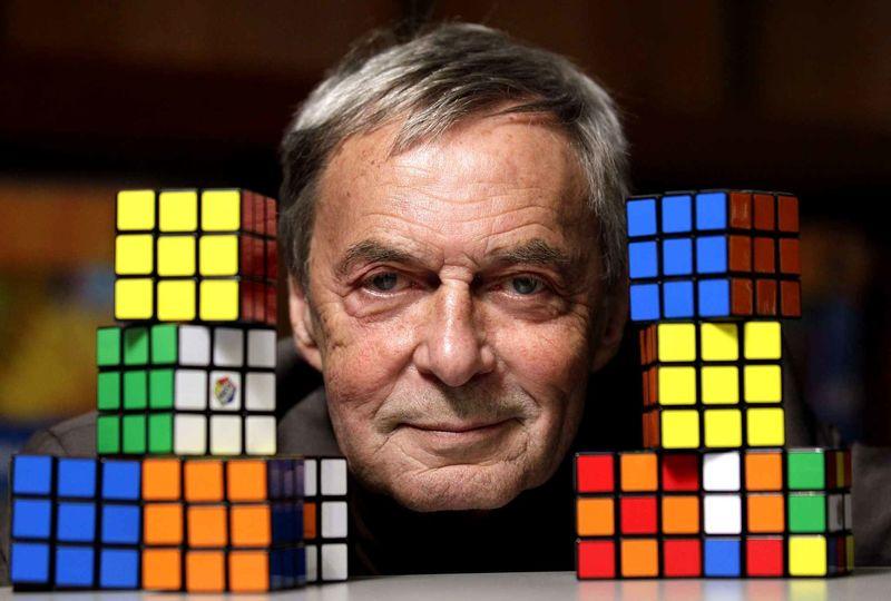 Otra fácil: ¿quién inventó el cubo de rubik?
