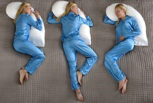 ¿Postura en la cama para dormir?
