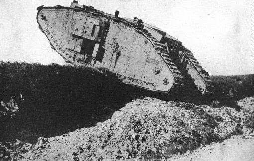 ¿ Cual fue el primer tanque en entrar en servicio activo ?