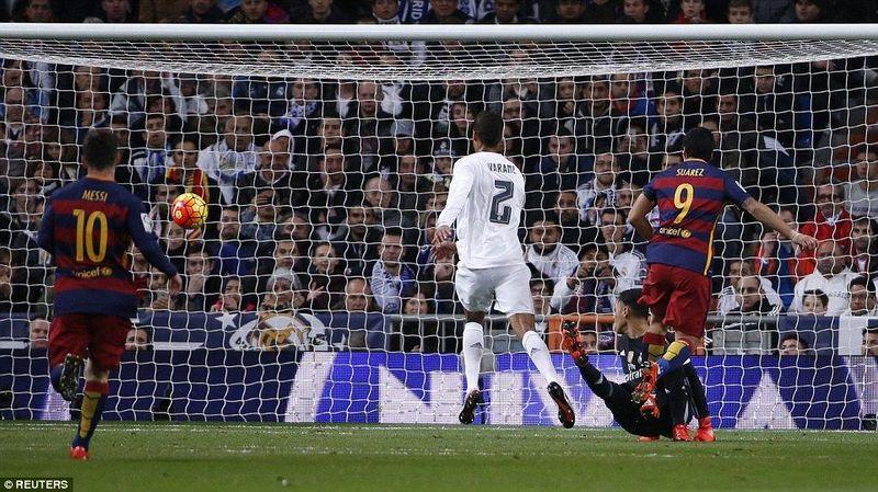 Dos derrotas seguidas iniciaron una crisis en el club, ¿ante que rivales se dieron éstos resultados? ¿Con qué marcadores?