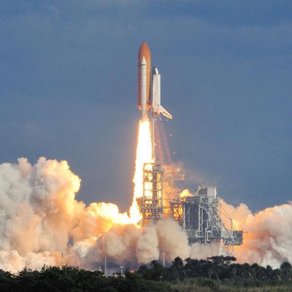 ¿En qué fecha subió el primer hombre al espacio?
