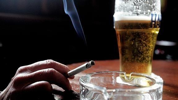 ¿Consumes alcohol o tabaco?