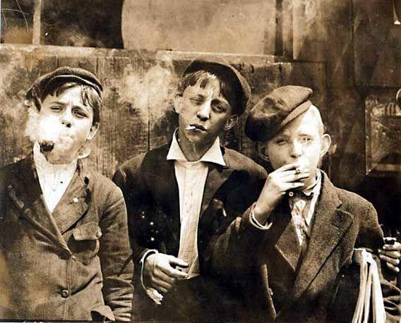 ¿Quién te dió a probar tu primer cigarro?