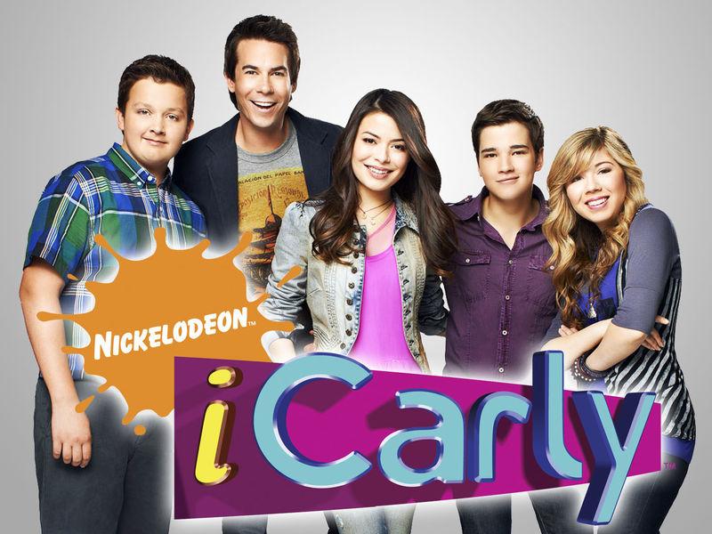 ¿Con qué serie tuvo un crossover iCarly?
