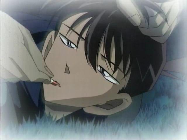 ¿Quién hizo tomar a Shinichi el APTX4869 que le encogería luego?