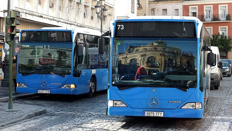 Conduces un autobús. Hay 34 pasajeros. En la 1º parada se bajan 24 y suben 12. En la 2º bajan 3. ¿Cómo se llama el conductor?