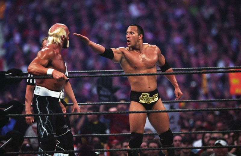 Hulk Hogan vs The Rock