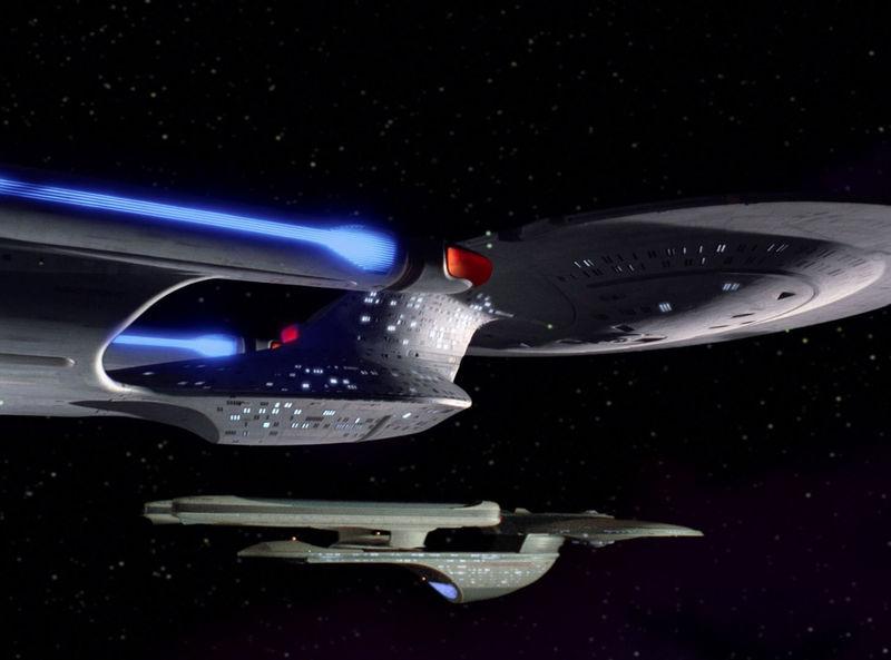 Según la pregunta anterior, ¿qué nave comandaba con anterioridad este Capitán?