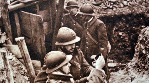 ¿Qué dos bandos se enfrentaban en la II Guerra Mundial?