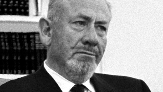 ¿Qué novela fue escrita por John Steinbeck?