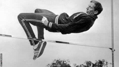 ¿En qué JJOO utilizó Dick Fosbury su innovadora técnica de salto de altura con la que se colgó la medalla de oro?