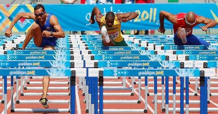 ¿Cuántas pruebas con vallas se celebran en los Mundiales de Atletismo? (tanto categoría masculina como femenina)