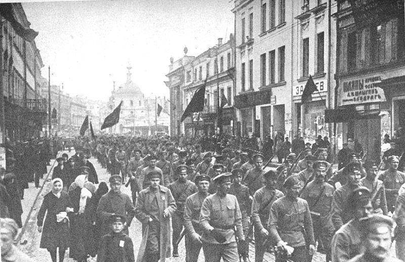 ¿En qué mes celebran los rusos la Revolución de Octubre?