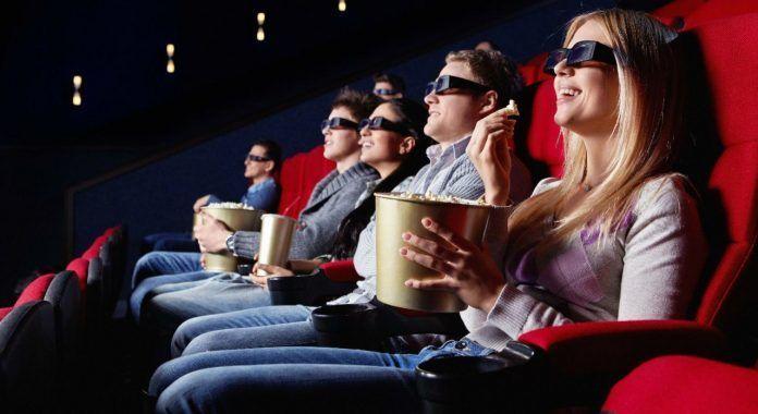 ¿Sueles beber y/o comer mientras estás en el cine?