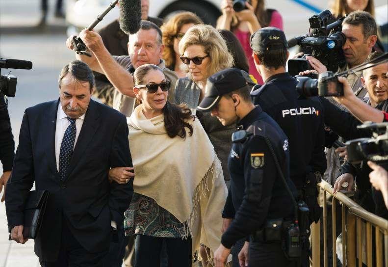 ¿Cuánto tiempo permaneció aproximadamente en prisión Isabel Pantoja por blanqueo de capitales?
