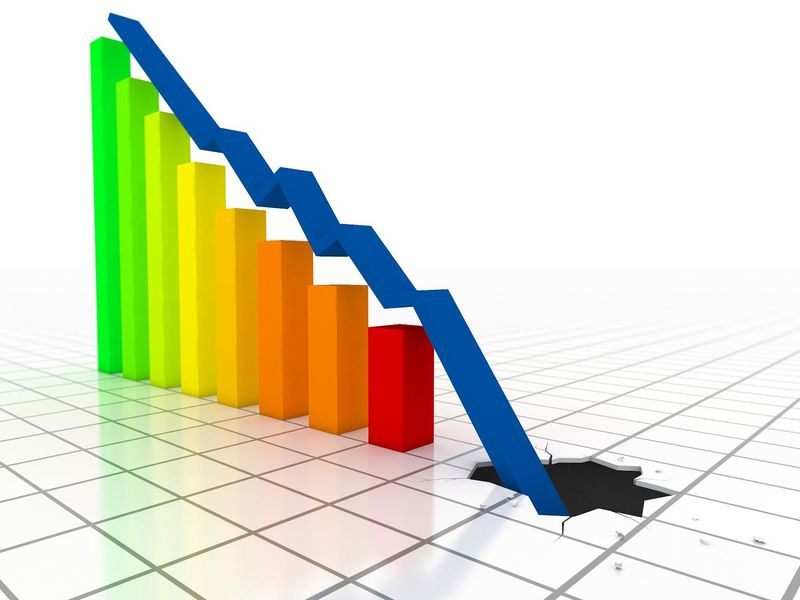 Eres el gobernante de un país y tu economía es bastante deficitaria. Tienes que hacer recortes. ¿ Qué haces?